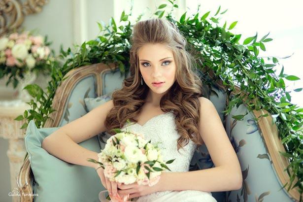 Создание образа невесты блондинки на занятиях по мейкапу в СПб
