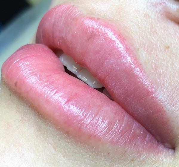 Перманентный макияж губ для Елены